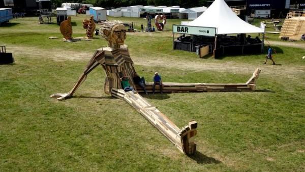 Ben Chiller, il gigante da Thomas Dambo 1