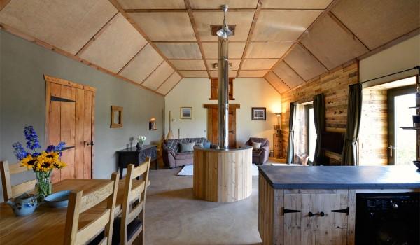 Hotel Lettoch Cottages, spalmati e arredato con pallet 2