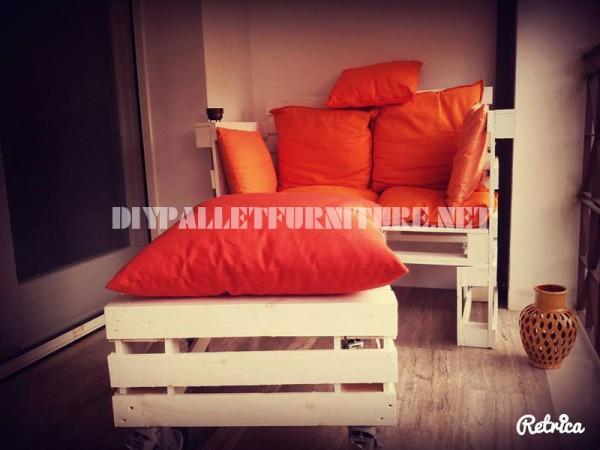 Soggiorno con divano e tavolo idee per il design della casa - Divano harry mondo convenienza ...