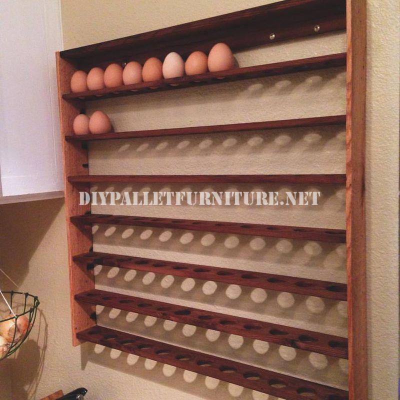 Mensola uovo realizzato con pallet