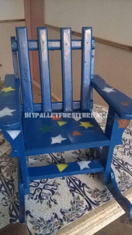 Sedia a dondolo per i bambini con palette 5mobili con - Sedia dondolo bambini ...