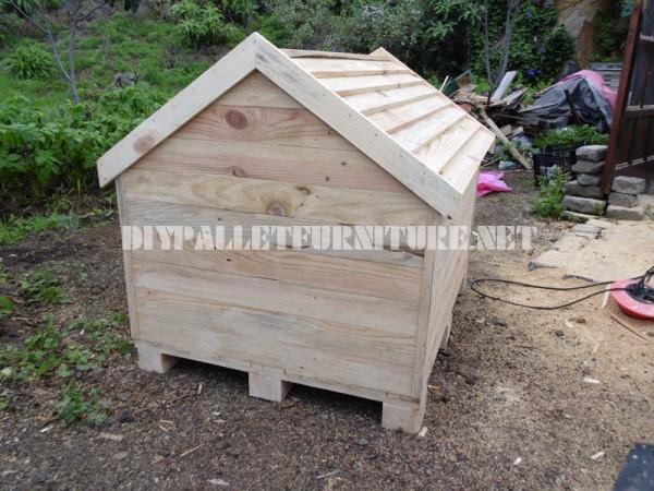 Casa di cane costruita con pallet 5