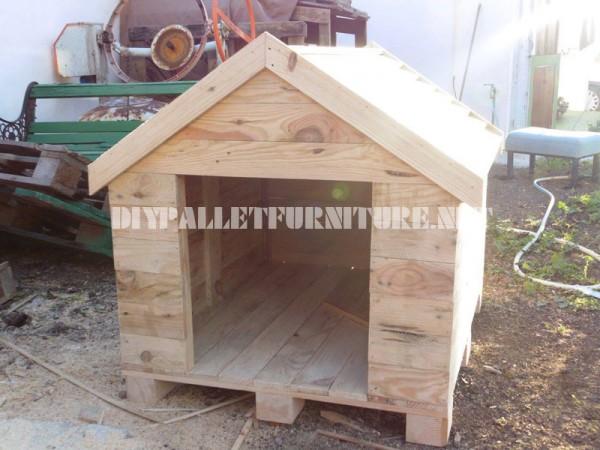 Casa di cane costruita con pallet 6