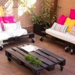 Terrazzo arredato con i palletmobili con pallet mobili for Terrazza arredata