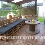 Mobili da giardino con i palletmobili con pallet mobili for Terrazza arredata