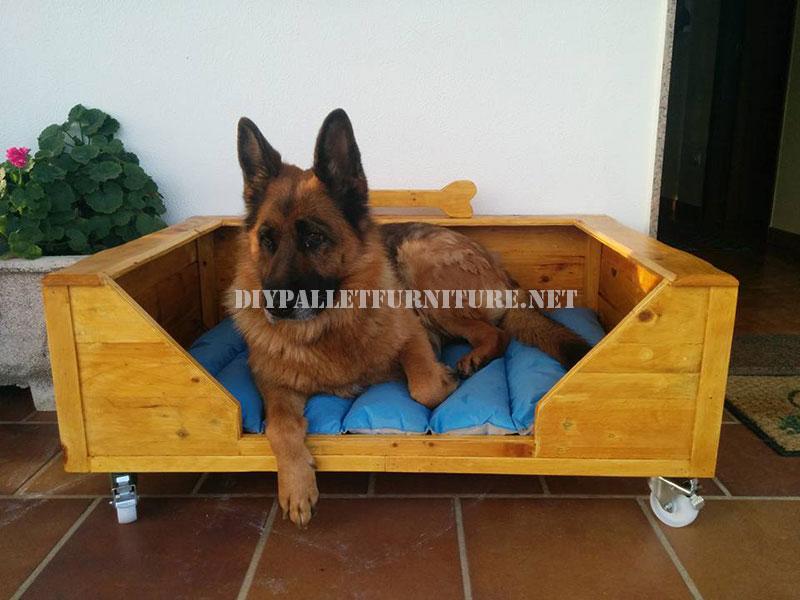 Letto per cani di grandi dimensioni con i pallet 1mobili - Letto per cani grandi ...