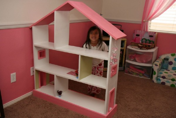 Dollhouse con tavole pallet 1
