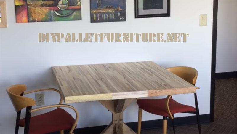 Video su come fare un tavolo per le riunioni con tavole pallet 2