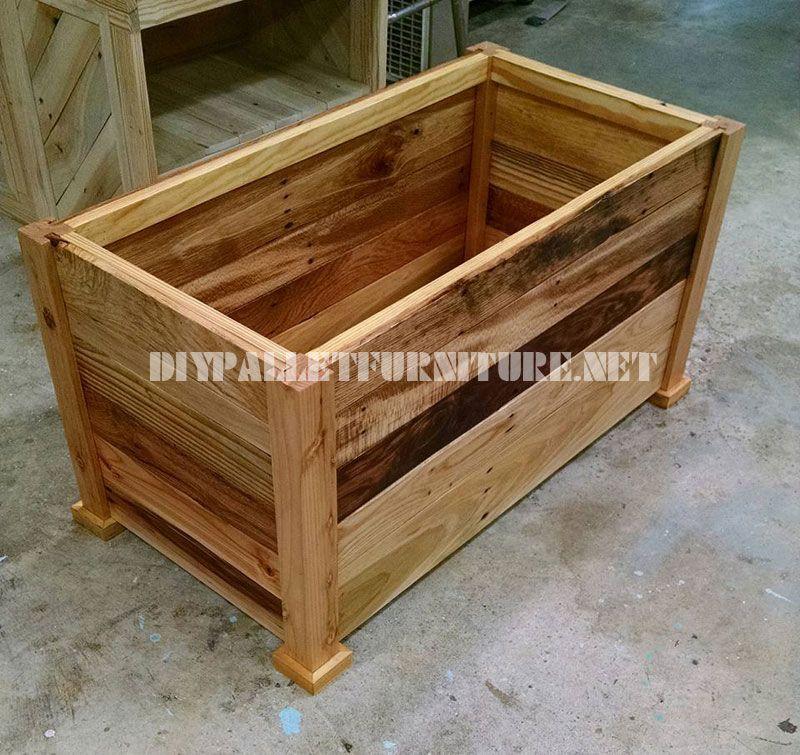 Cassa in legno e panca costruito con assi di pallet 4