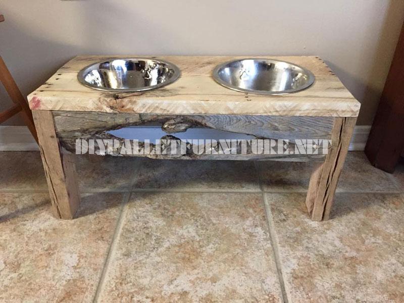 Mobili Con Legno Riciclato : Cibo e acqua ciotole per cani realizzati con legno di recupero