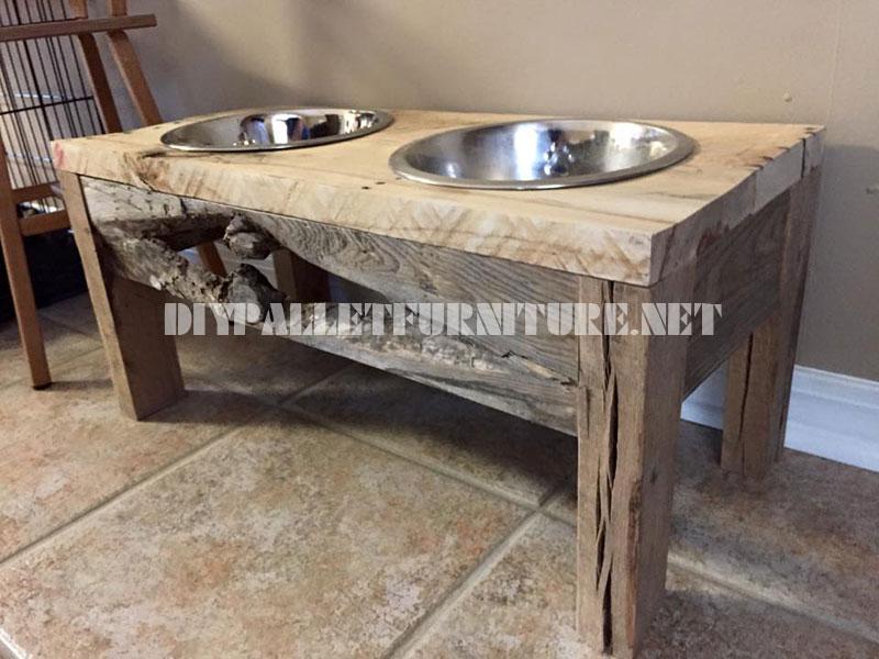 Cibo e acqua ciotole per cani realizzati con legno di - Mobili con legno di recupero ...