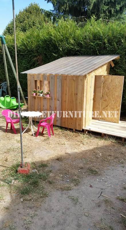 Playhouse costruita con pallet 1