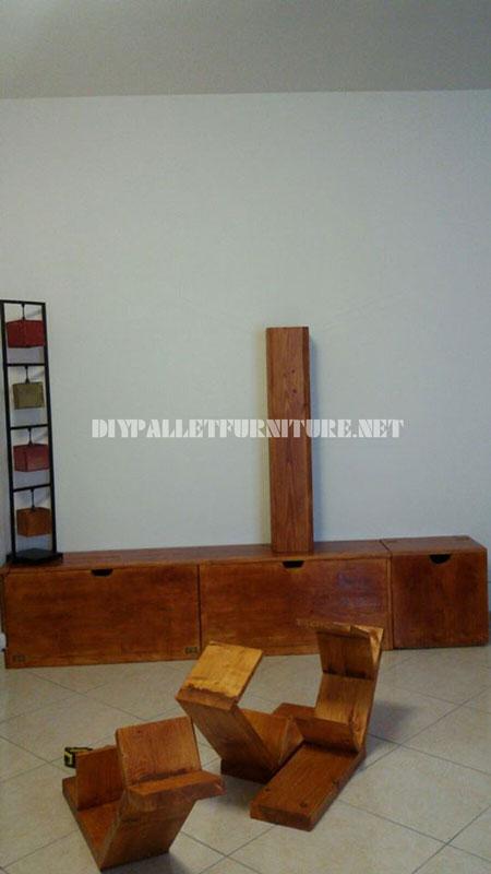 Scaffalature e mobili per il soggiorno con forma di alberoMobili con Pallet  Mobili con Pallet