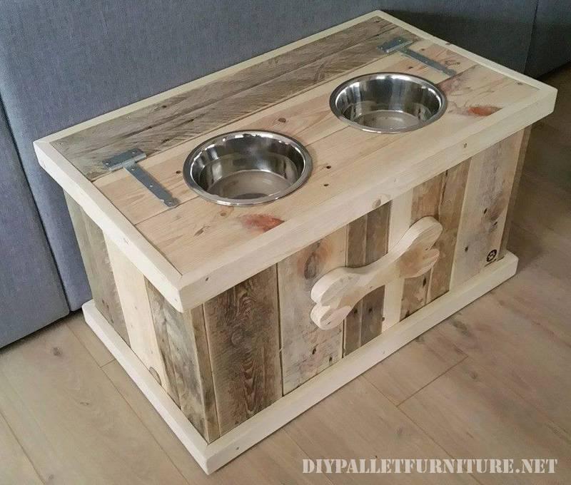 Cibo e acqua ciotole per cani fatti di pallet 1