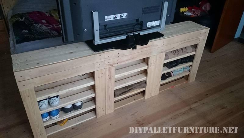 Letto e scarpe cabinet realizzato con pallet 2