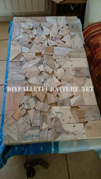 Tavola costruita con pezzi di legno 4