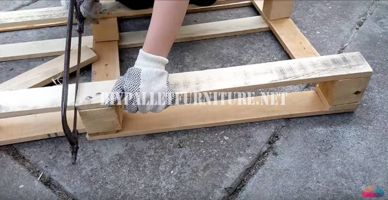 Mobili Con Pallet Tutorial : Video tutorial per costruire un tavolino da caffèmobili con pallet