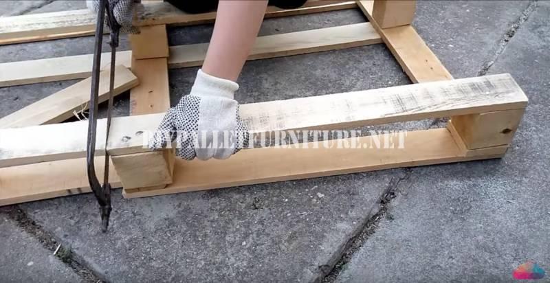 Video tutorial per costruire un tavolino da caffè 2