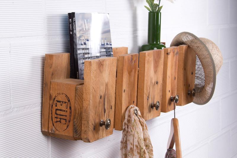 appendiabiti semplice con un palletmobili con pallet. Black Bedroom Furniture Sets. Home Design Ideas