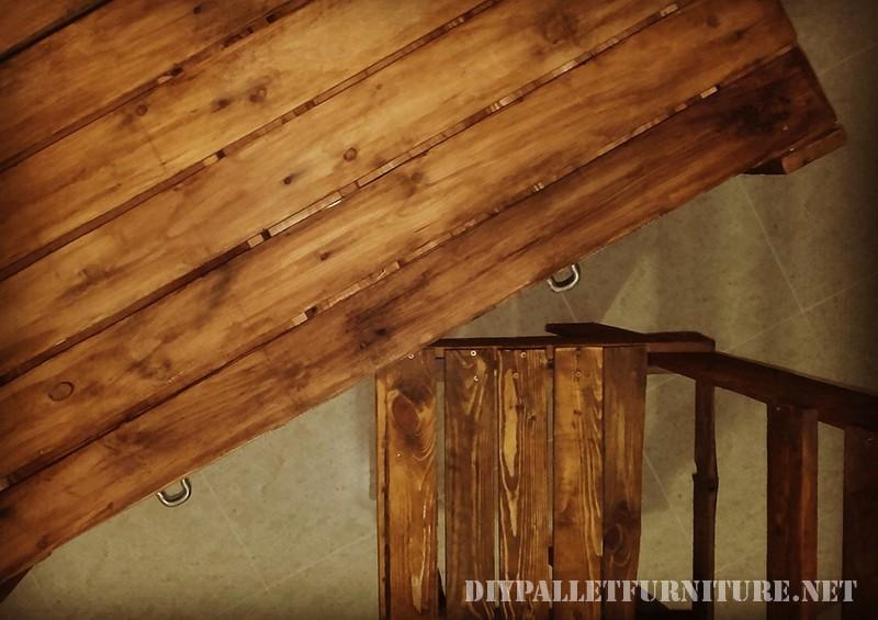 Pallet scrivania con cassetti 1