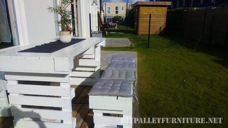 Progetto di pallet fai da te per le panche da giardino e un tavolo 3mobili con pallet mobili - Tavolo e panche da giardino ...