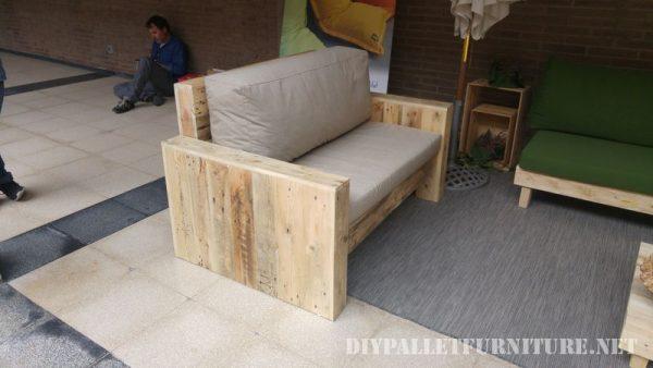 Divani Pallet Esterni ~ Idee per il design della casa