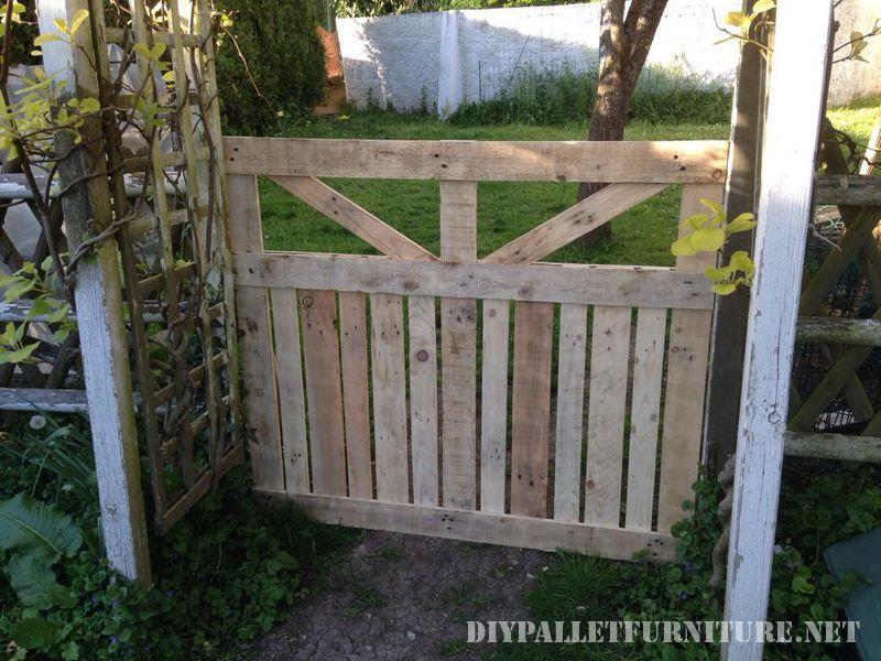 Porta di un recinto per il giardino realizzato con pallet 3