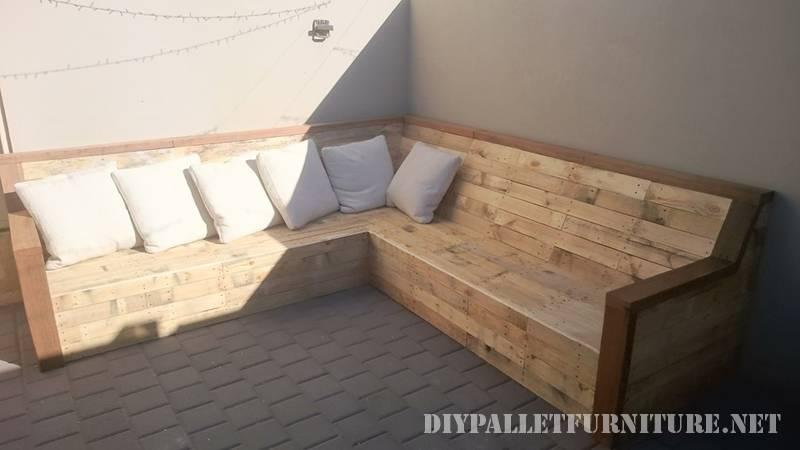 Divano ad angolo con tavole palletmobili con pallet mobili con pallet - Comment fabriquer un meuble d angle ...