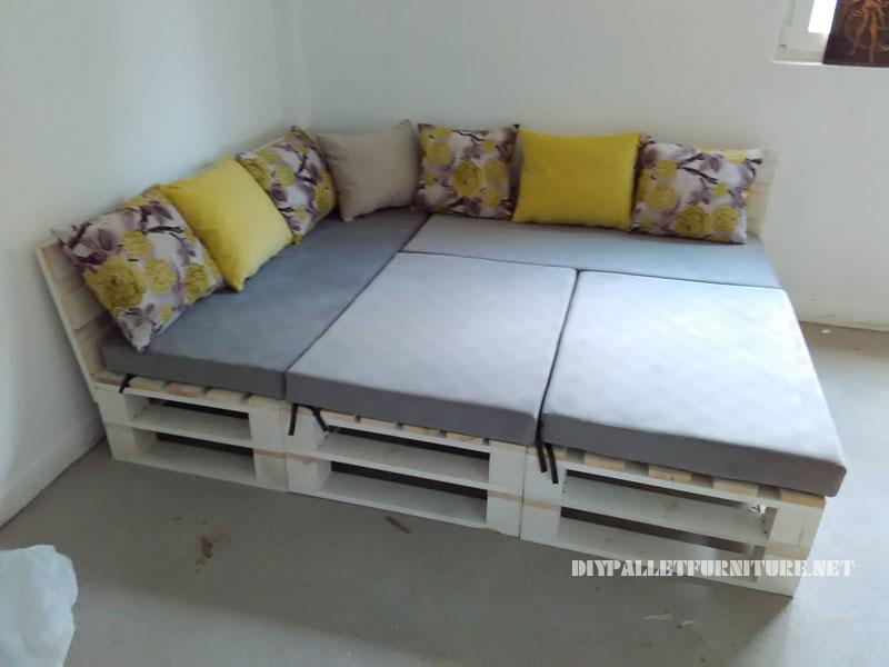 divano Pallet, puff e tavolo trasformabile in letto 1