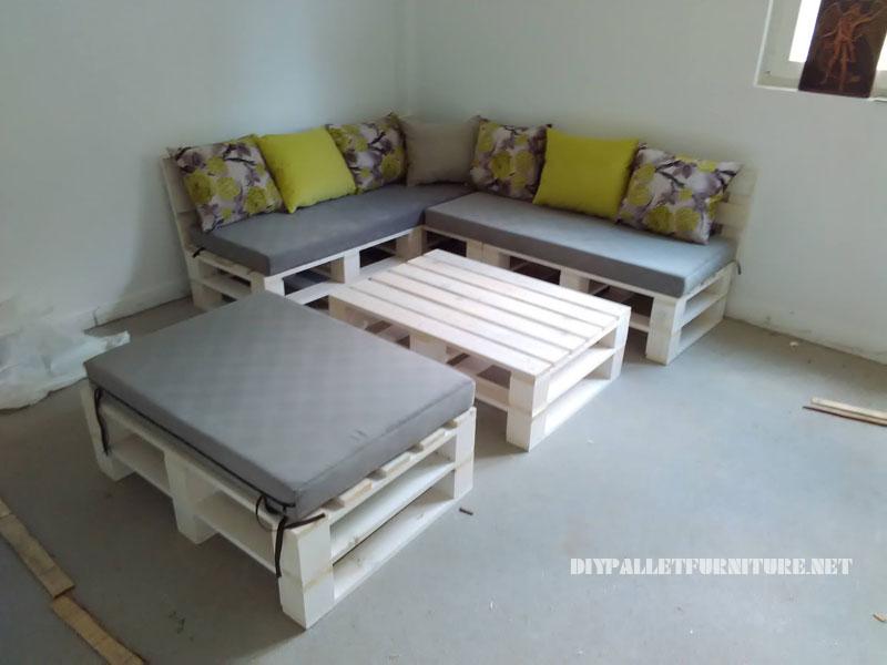 divano Pallet, puff e tavolo trasformabile in letto 4