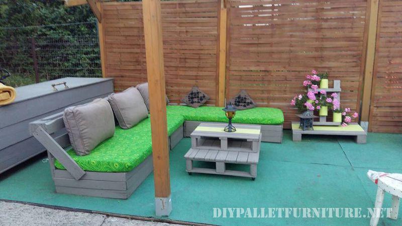 Mobili da giardino con i pallet 1