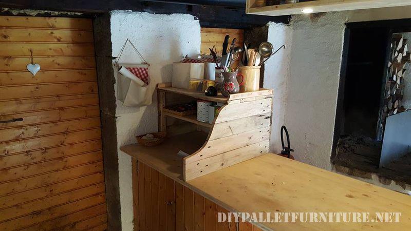 armadio-da-cucina-ausiliario-con-pallet-1
