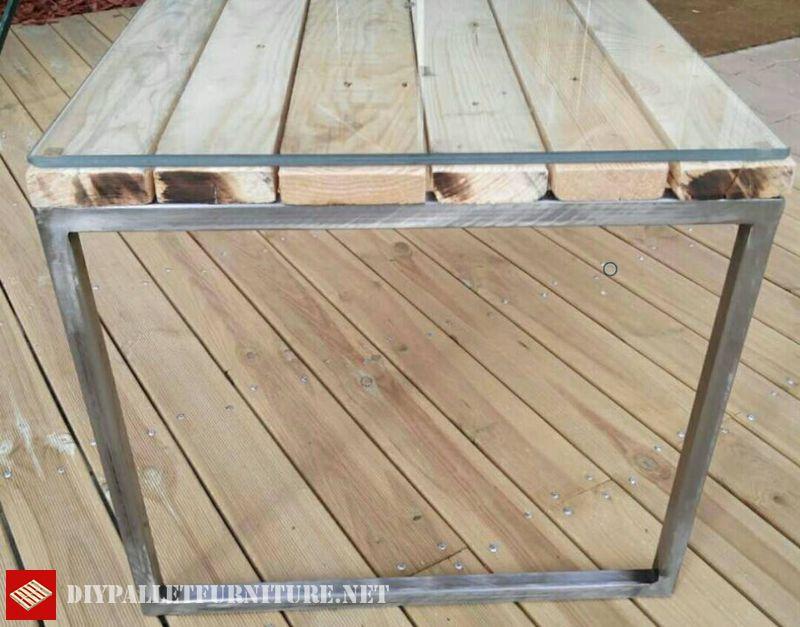 tavola-con-struttura-in-acciaio-e-pallet-2