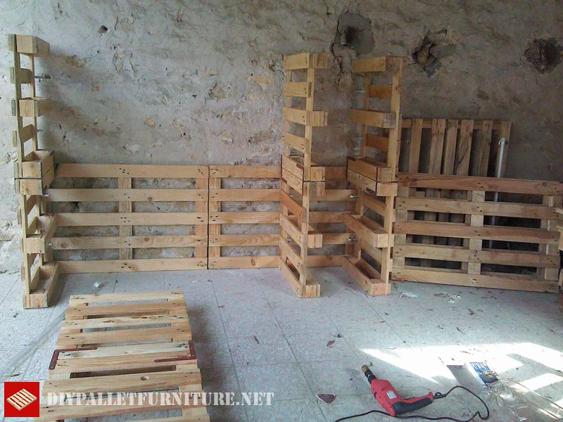 vestiti-organizer-fatta-con-pallets-3