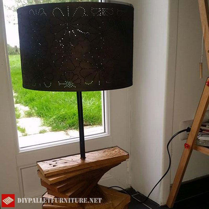 lampada-pallet-utilizzando-tavole-pallet-1