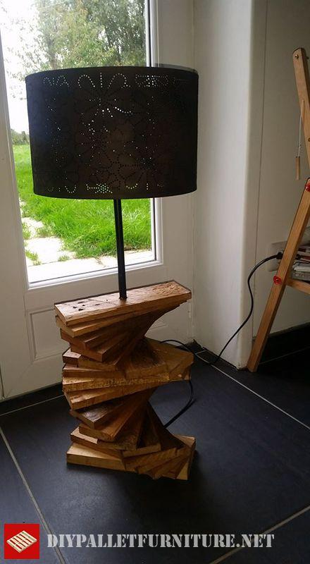 lampada-pallet-utilizzando-tavole-pallet-3