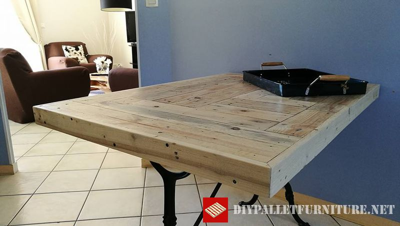 tavolo-da-cucina-adattata-con-i-pallet-1