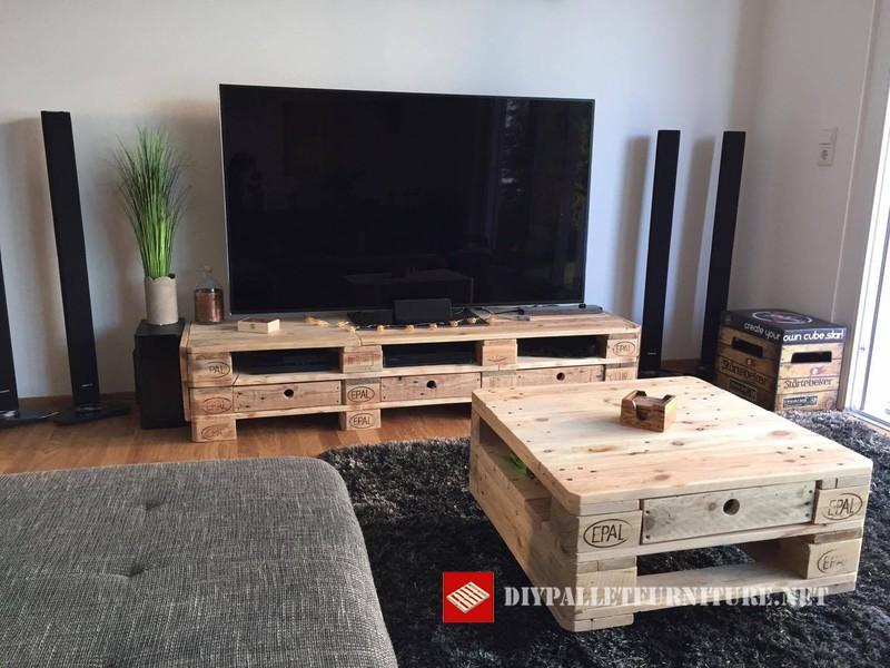 Mobili per la tavola tv e caff mobili con pallet mobili - Mobili per la tv ...