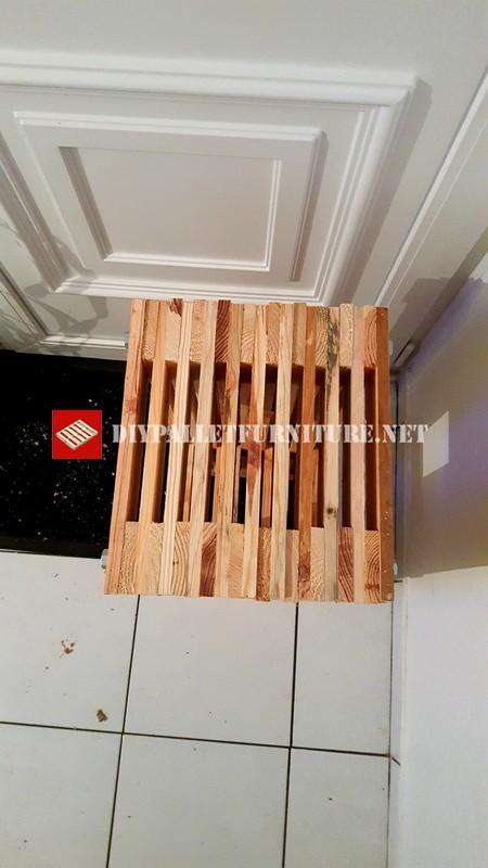 Sgabello design realizzato con palletmobili con pallet for Sedie fatte con pallet