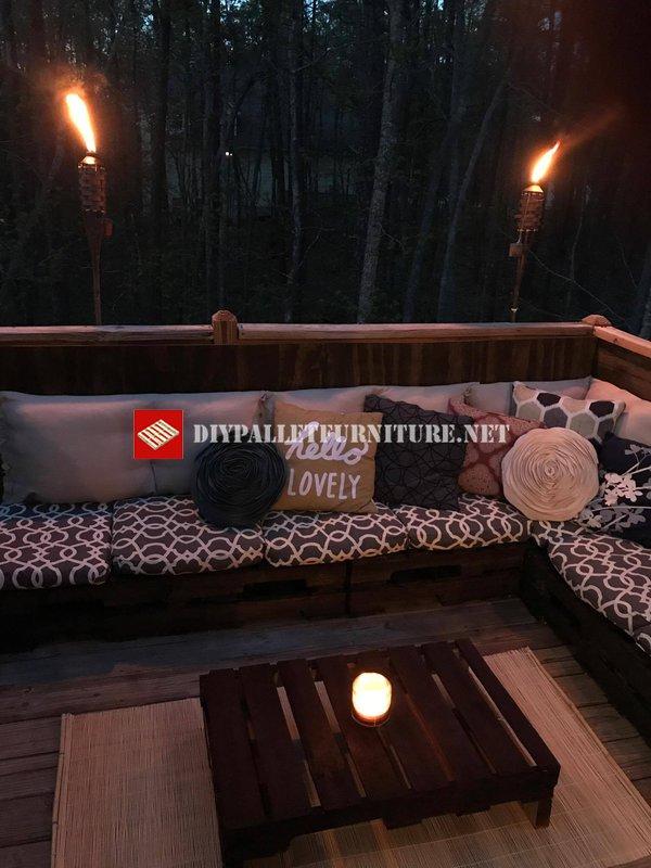 Pallet divano per cabina nel boscomobili con pallet for Cabina nel wyoming
