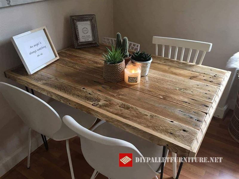 Piccolo tavolo da pranzomobili con pallet mobili con pallet for Tavolo da pranzo piccolo