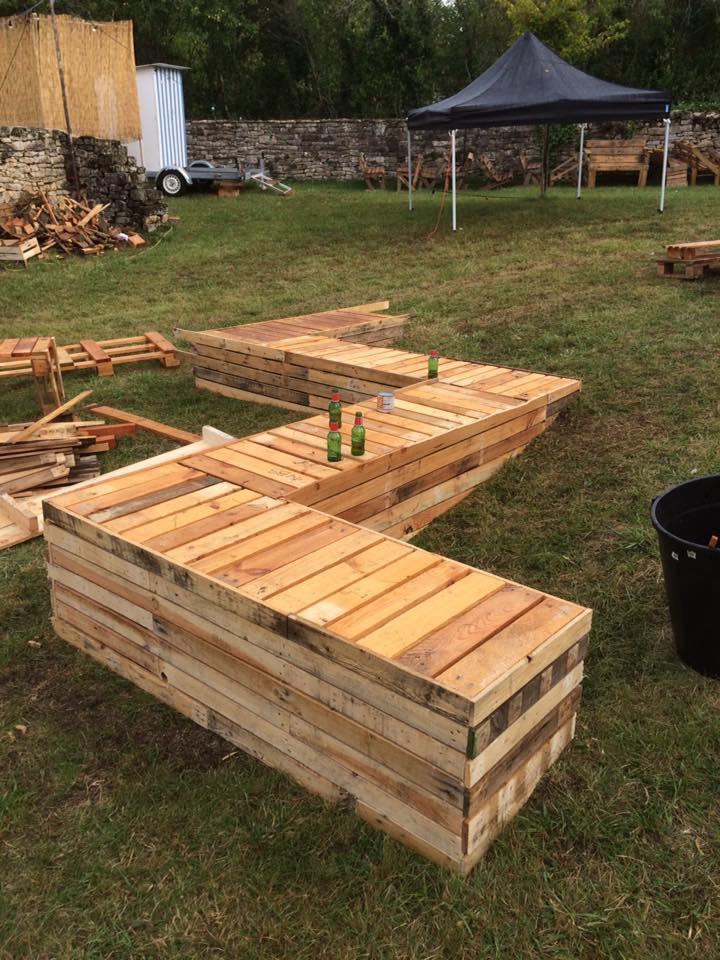 Panca illuminata per il giardinomobili con pallet mobili for Panca pallets